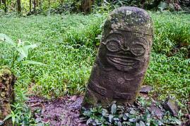 Tiki souriant à Hiva Oa
