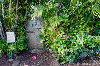 Tombe de Jacques Brel à Atuona sur l'île d'Hiva Oa