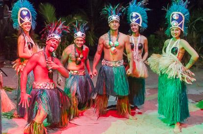 Les danseurs du Tiki Village à Moorea