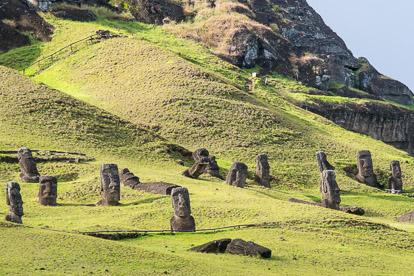 île de Pâques : carrière du Rano Raraku