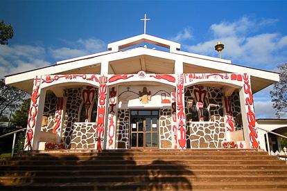 Île de Pâques : église d'Hanga Roa