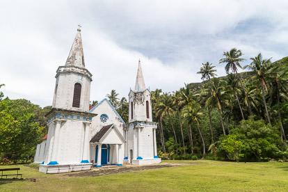 Gambier: Notre Dame de la Paix à Akamaru