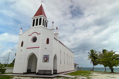 Rangiroa: église d'Avatoru