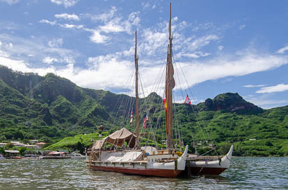 Peuplement de la Polynésie grace aux grandes pirogues doubles à voile